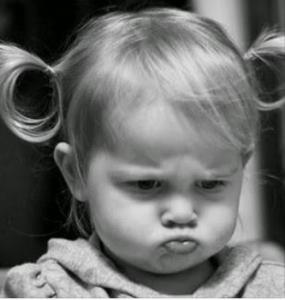 nena-enfadada